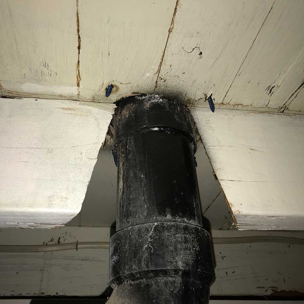 image of damaged beam found during home inspection